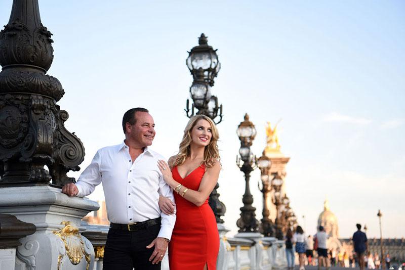 Jessica photographed by Miss Paris Photo Couples shoot Eiffel Tower Paris