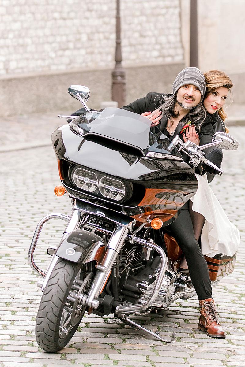 vow renewal in Paris Sacré Coeur Montmartre rock bride modern
