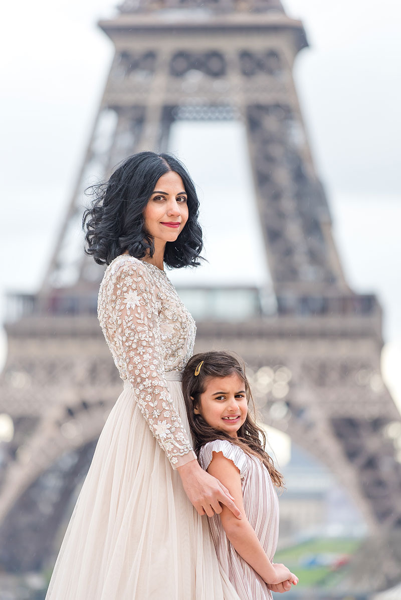 Saba & Family photographed by The Parisian Photographers Family portrait session in Paris Eiffel Tower