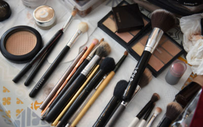 Sponge or Makeup Brush – choose what is best for you!